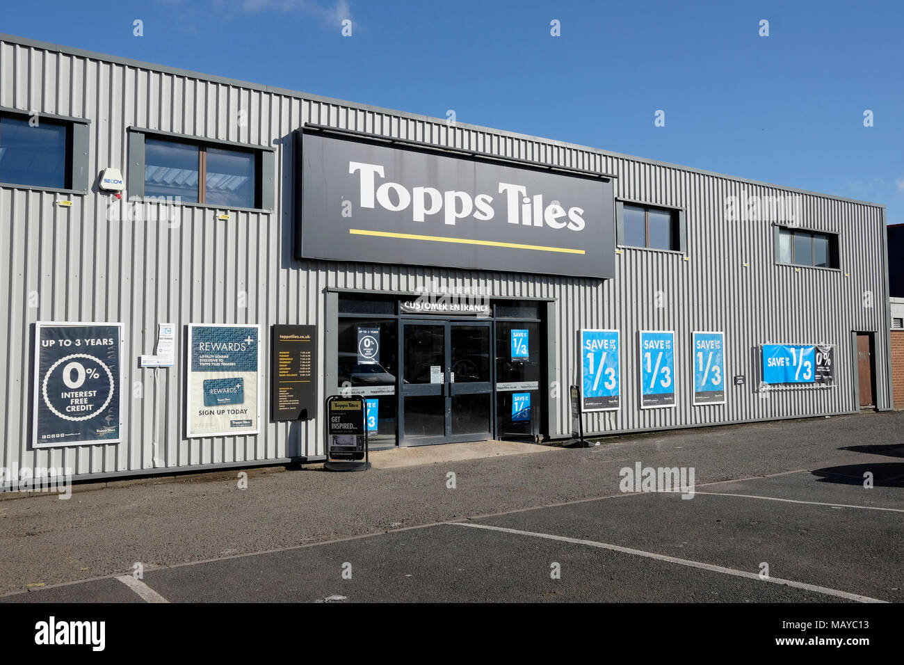 A general view of Topps tiles shop in Willesden, London - Stock Image