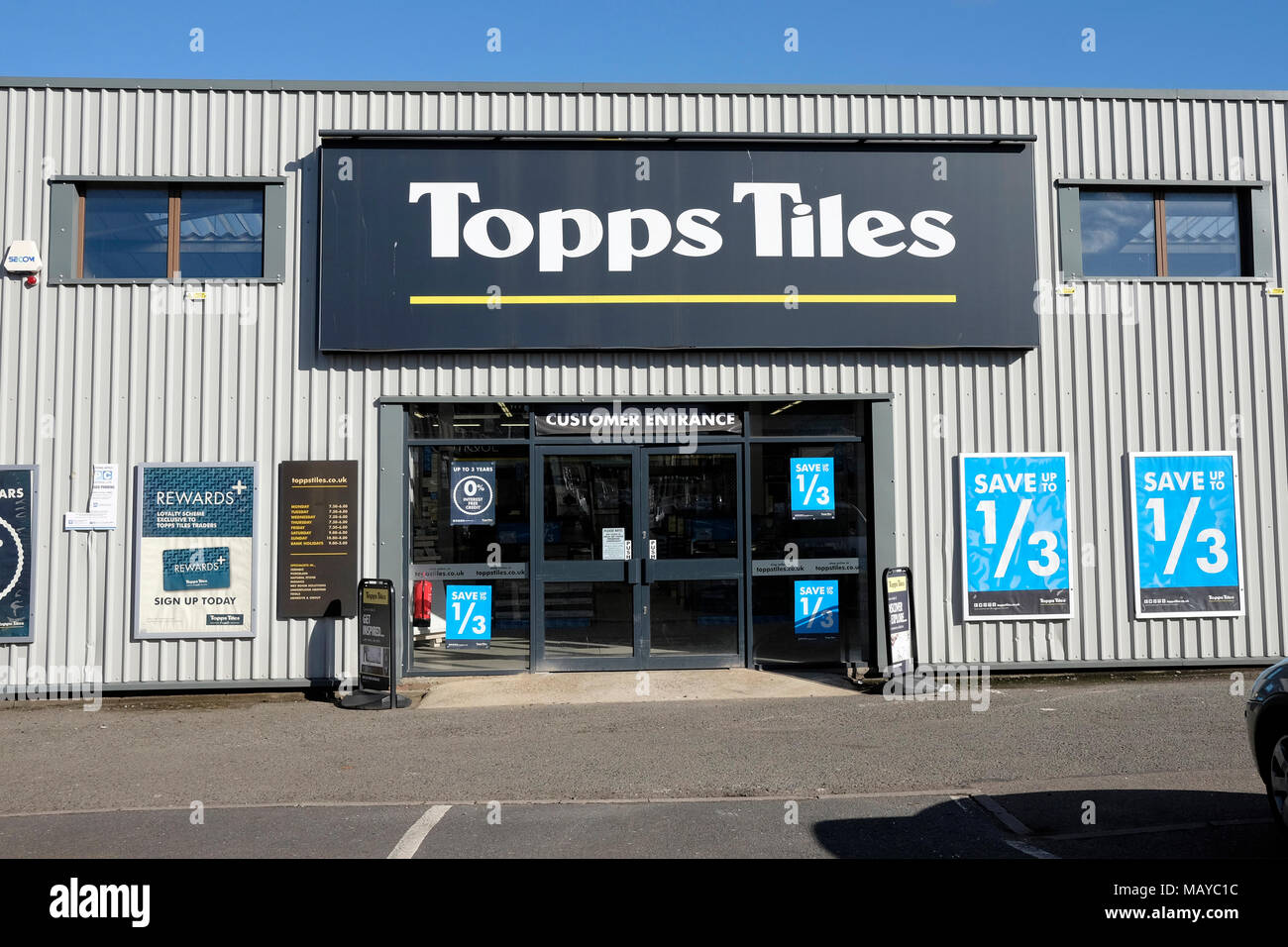 A general view of Topps tiles shop in Willesden - Stock Image