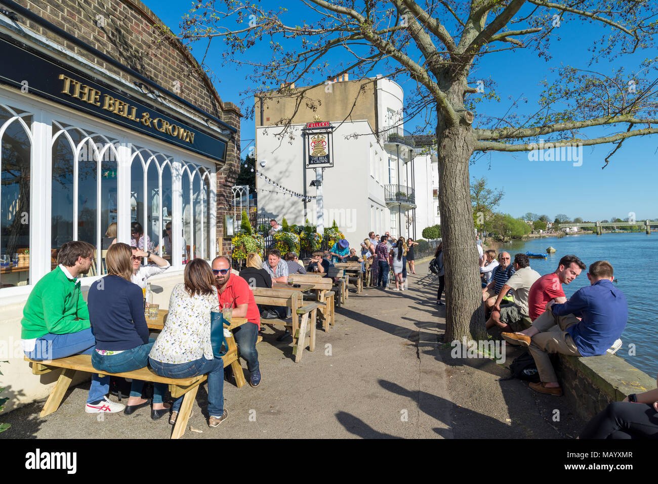 The Bell and Crown Thames riverside pub, Strand-on-the-green, Chiswick, London, UK - Stock Image