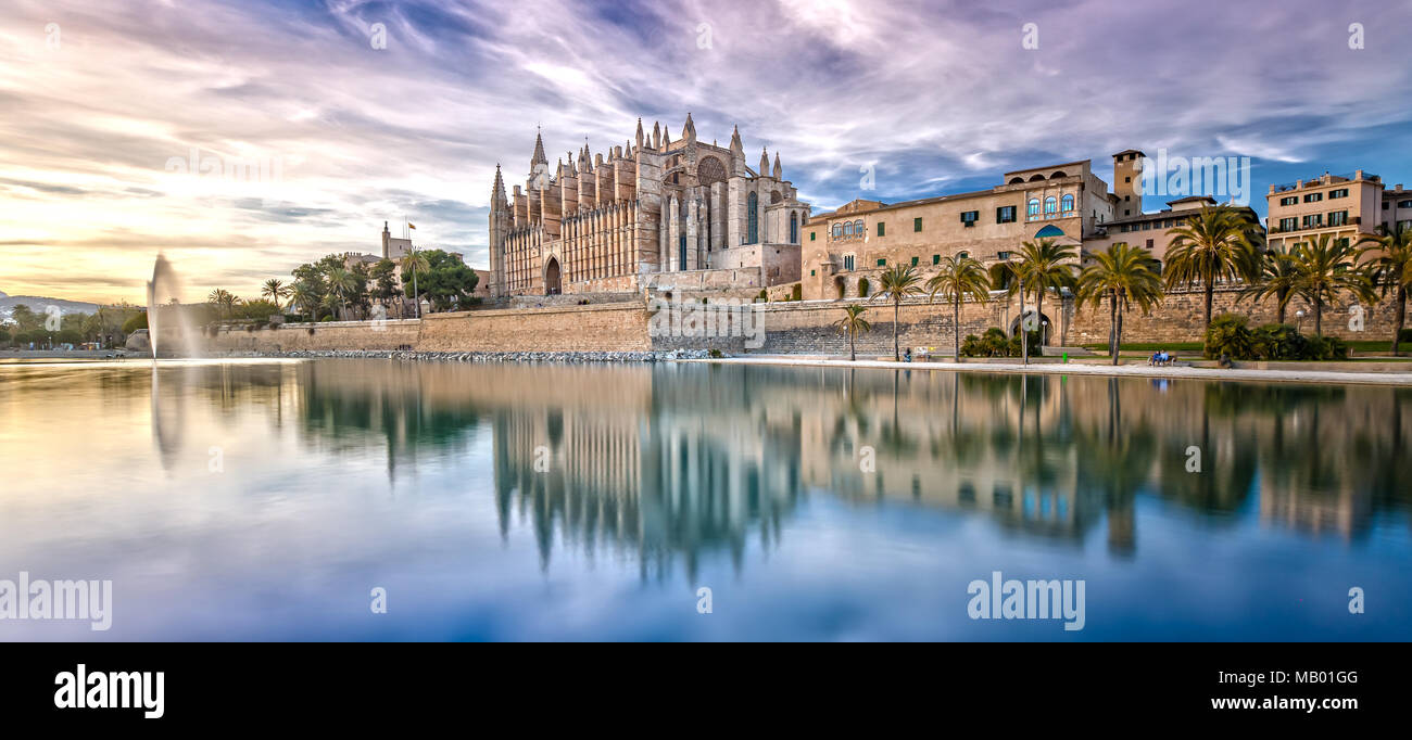 The Cathedral La Seu at Sunset in Palma de Mallorca - Stock Image