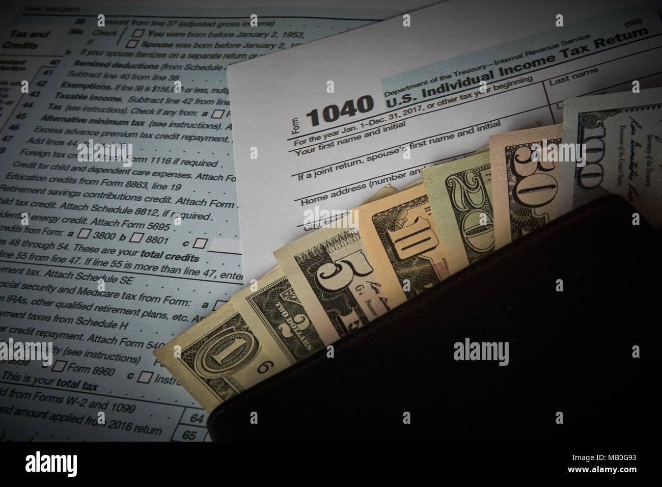 1040 Tax Form Stock Photos & 1040 Tax Form Stock Images - Alamy