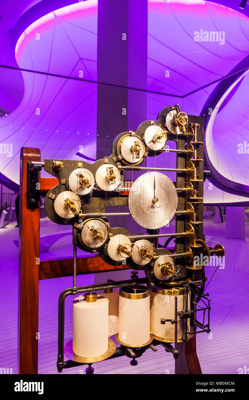 England, London, South Kensington, Science Museum, The Winton Gallery, Tide-predicting Machine Invented by William Thomson dated 1872 - Stock Image