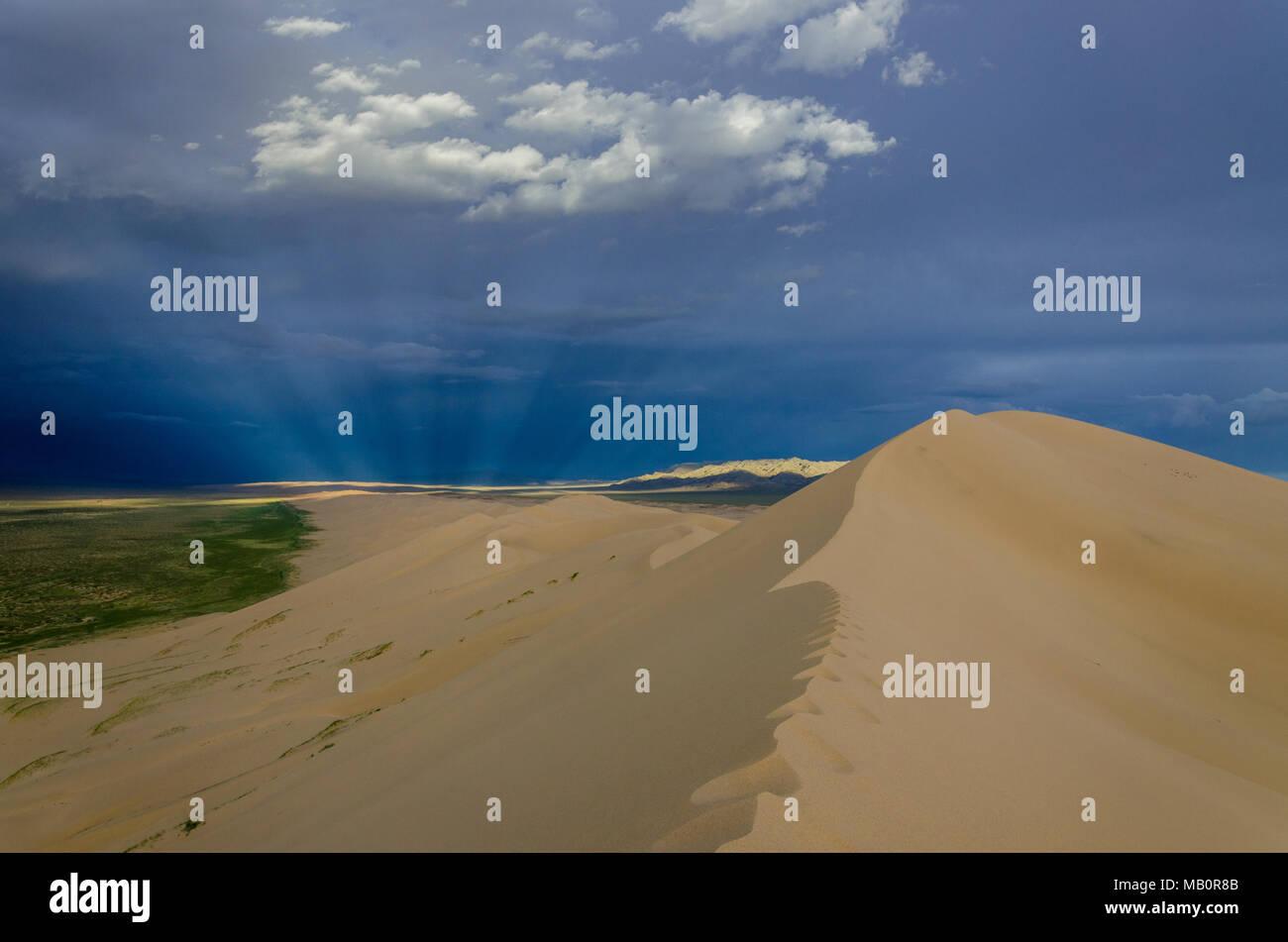Sunryas at the Gurvansaikhan National Park, Gobi Desert, Mongolia - Stock Image