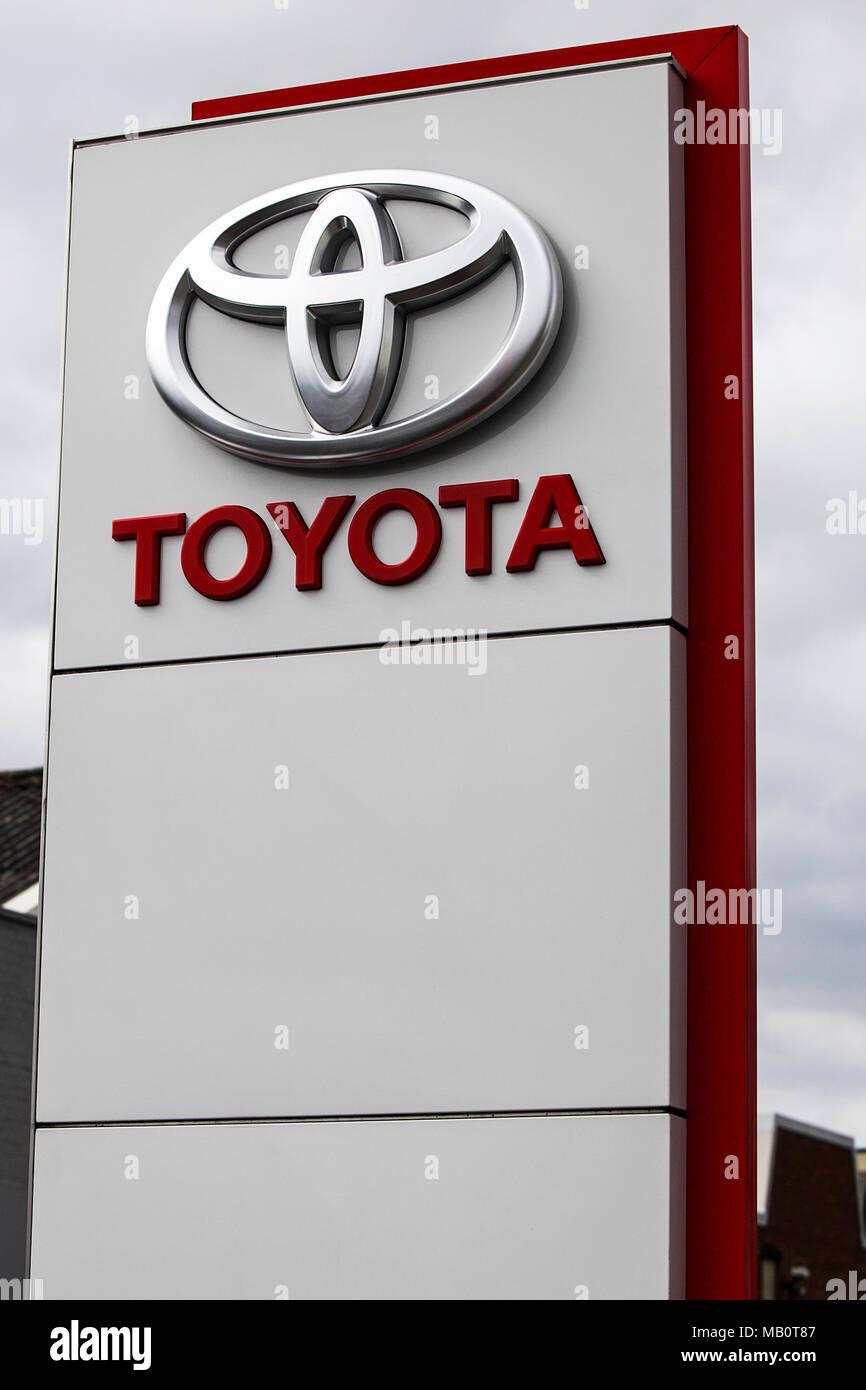Cars Logo Set Stock Photos Cars Logo Set Stock Images Alamy