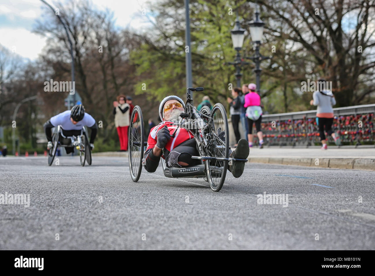 Handbikers at the Hamburg-Marathon - Stock Image
