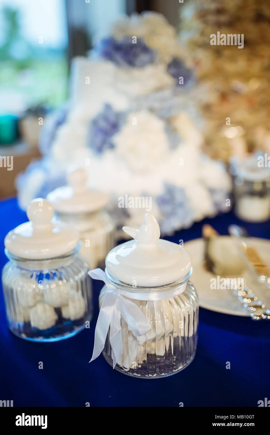 White Wedding Decorations Stock Photos & White Wedding Decorations ...