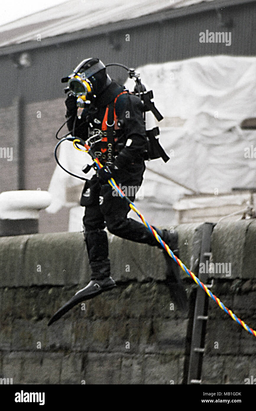 police diver, crime scene search and recovery of evidence - Stock Image