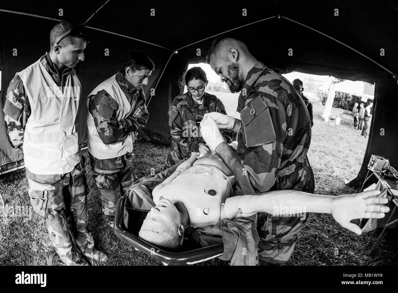 Aspirants military Physicians attend 'Ressa'c drill, Bron, France - Stock Image
