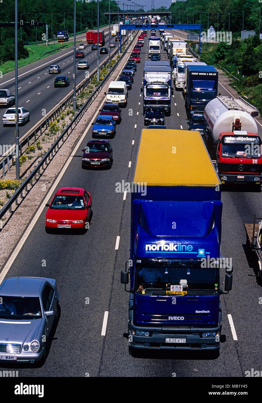 Heavy Traffic M6 Motorway, Birmingham, England, GB, UK. - Stock Image