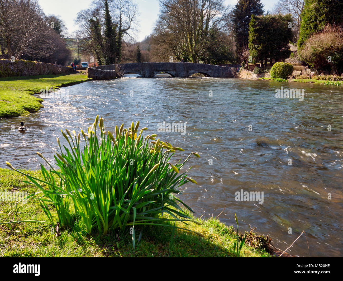Peak District National Park. 5th Apr, 2018. UK Weather: visitors enjoying the glorious sunshine on Thursday after the wet Easter Bank Holiday break at Ashford on the Water, near Bakewell in the Peak District National Park Credit: Doug Blane/Alamy Live News Stock Photo