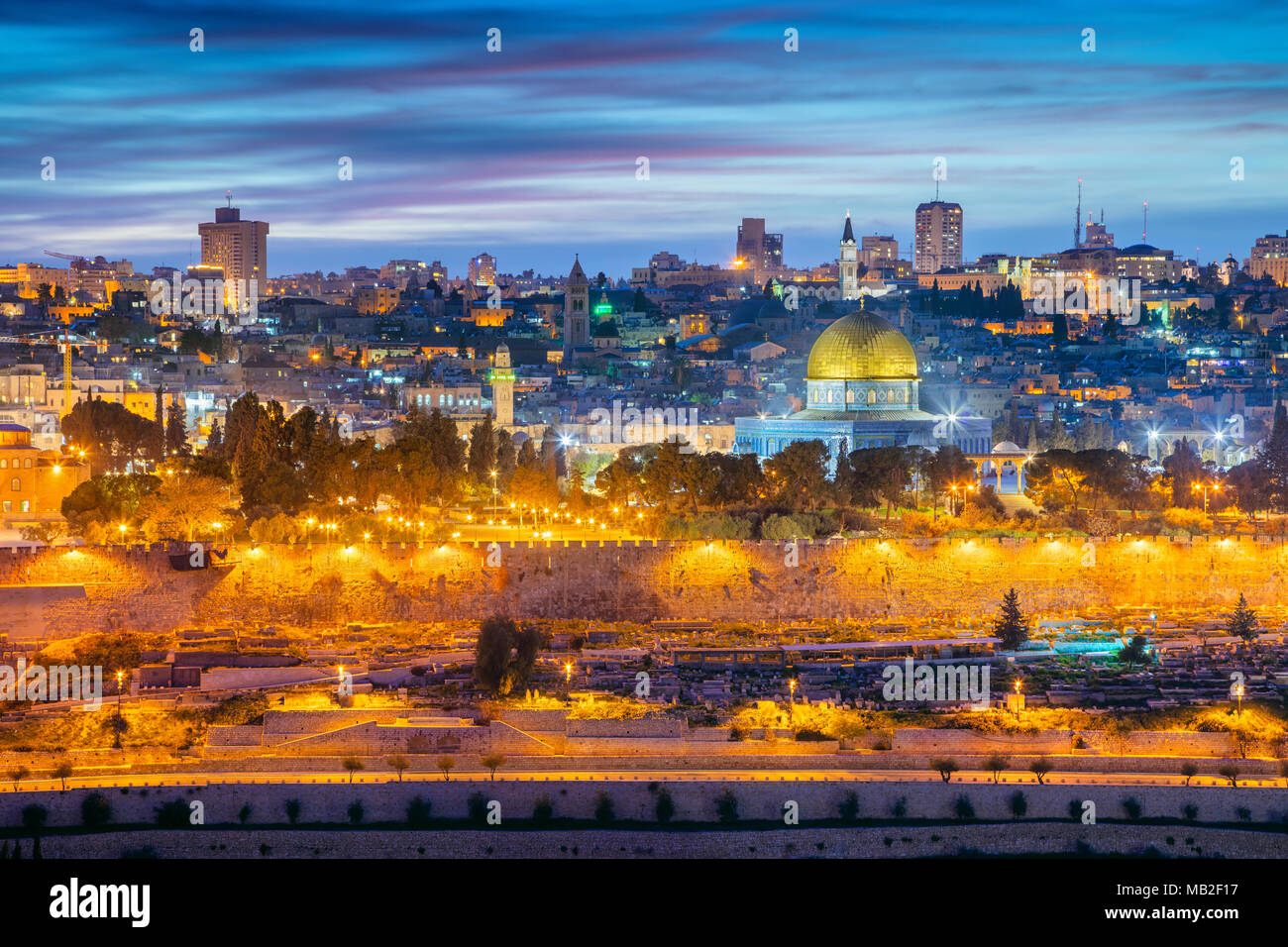 Old Town of Jerusalem. Cityscape image of Jerusalem, Israel with Dome of the Rock at sunset. - Stock Image