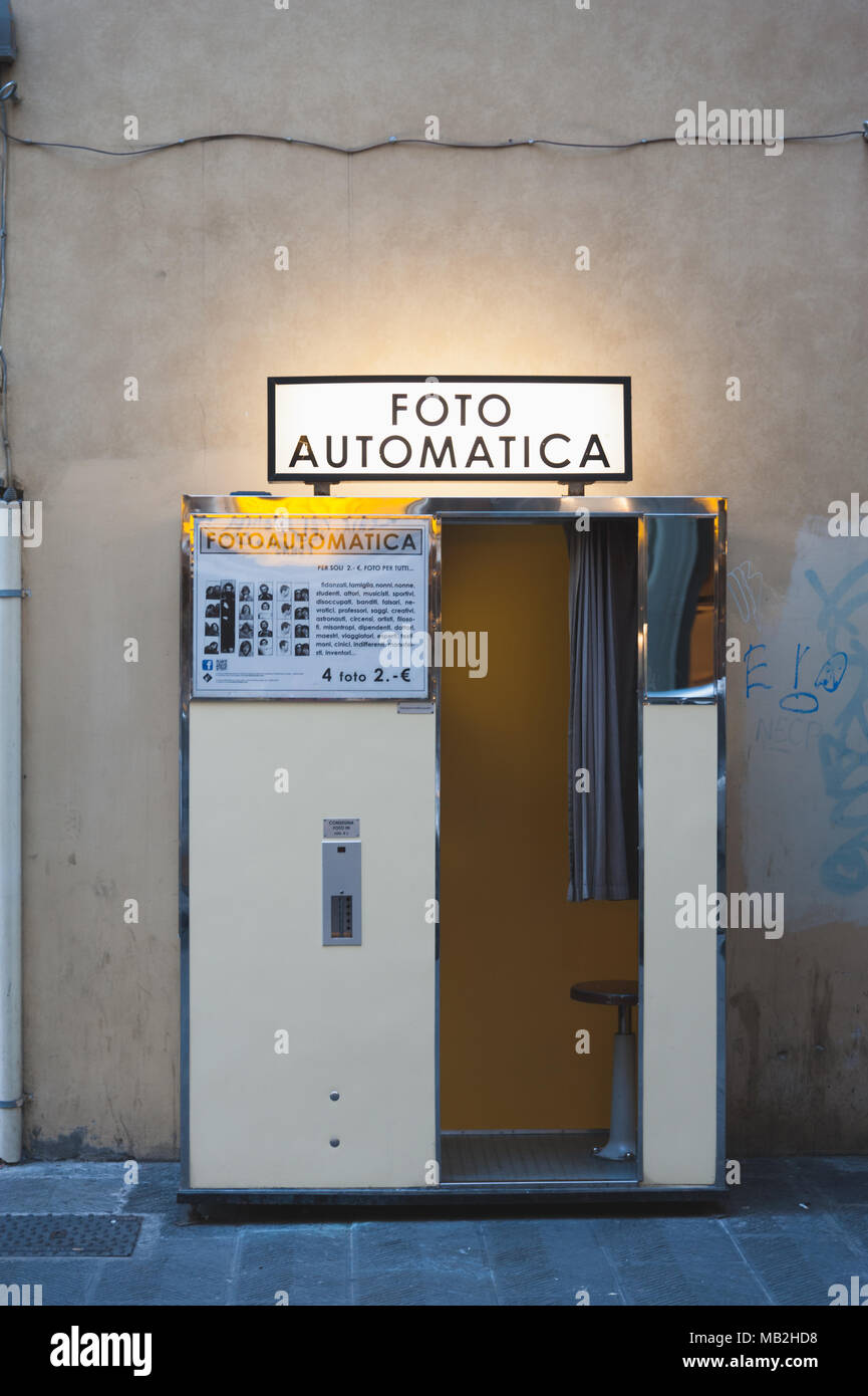 Foto Automatica - Photo Booth - Italian Vintage Style - Stock Image