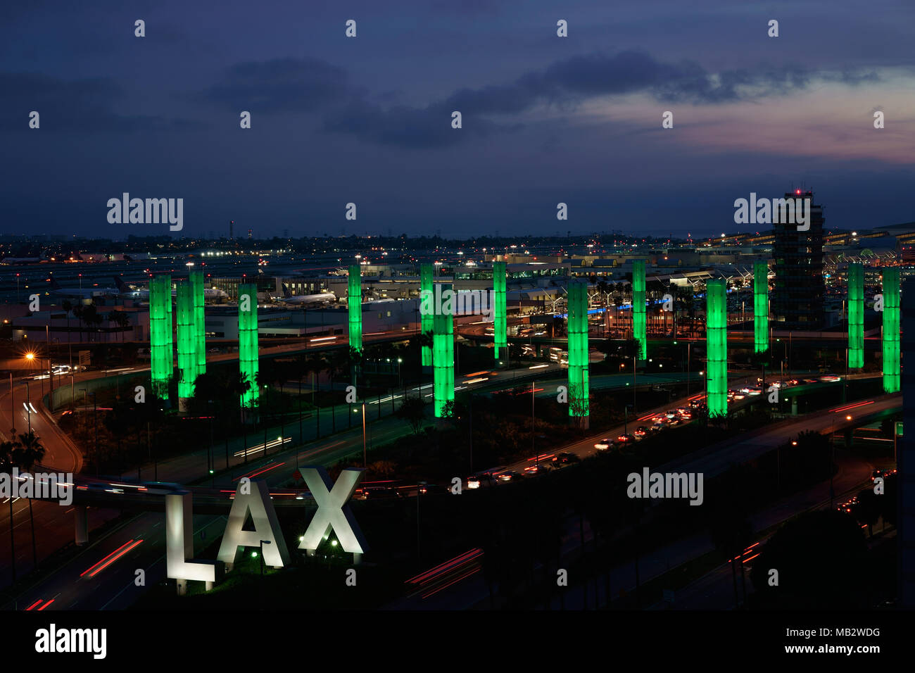 KINETIC LIGHT INSTALLATION AT DUSK (elevated view). LAX Gateway Pylon Project, Los Angeles International Airport, California, USA. - Stock Image