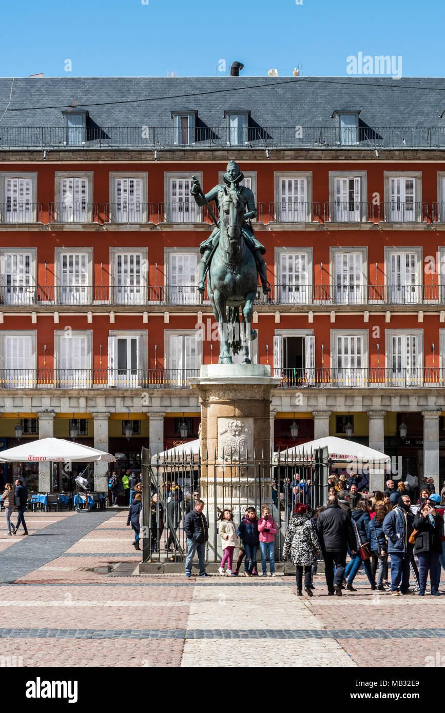 Felipe III equestrian statue, Plaza Mayor, Madrid, Community of Madrid, Spain - Stock Image