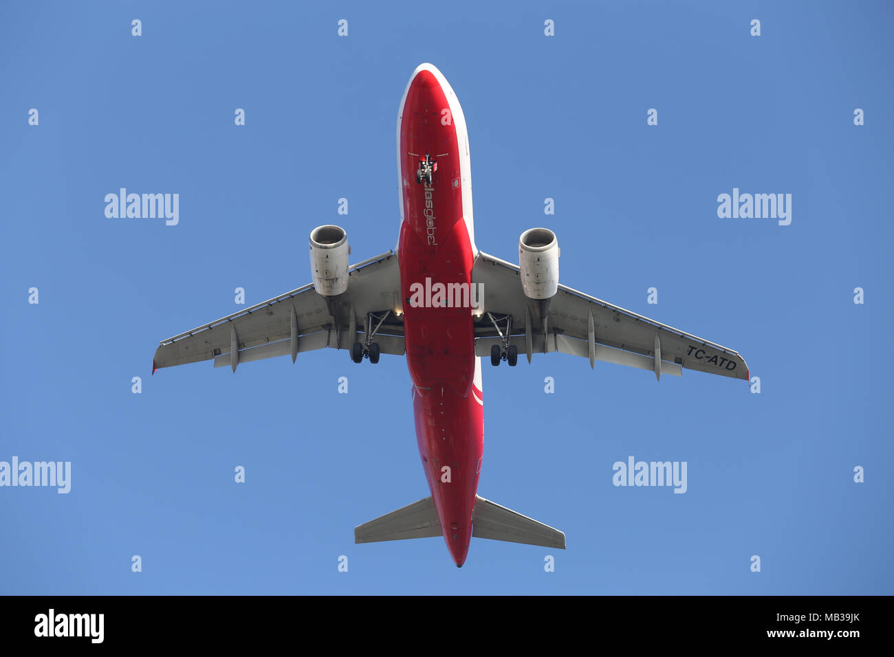 ISTANBUL, TURKEY - JANUARY 06, 2018: AtlasGlobal Airbus A319-112 (CN 1124) landing to Istanbul Ataturk Airport. AtlasGlobal is a Turkish airline with  Stock Photo