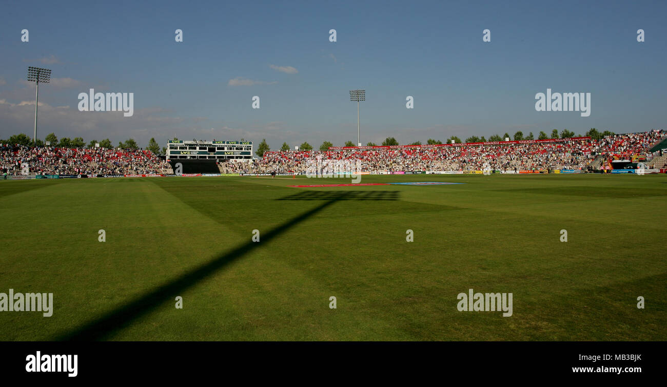 Hampshire Cricket Ground The Rose Bowl Full With Fans