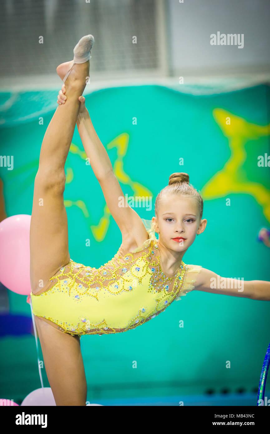 1630c8571 gymnastics pictures cute - Ecosia
