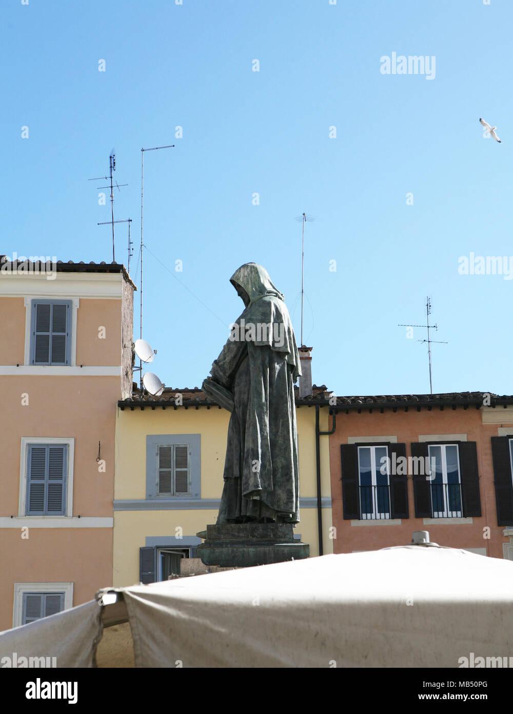 Campo de' Fiori market and Giordano Bruno bronze statue, Rome, Italy - Stock Image