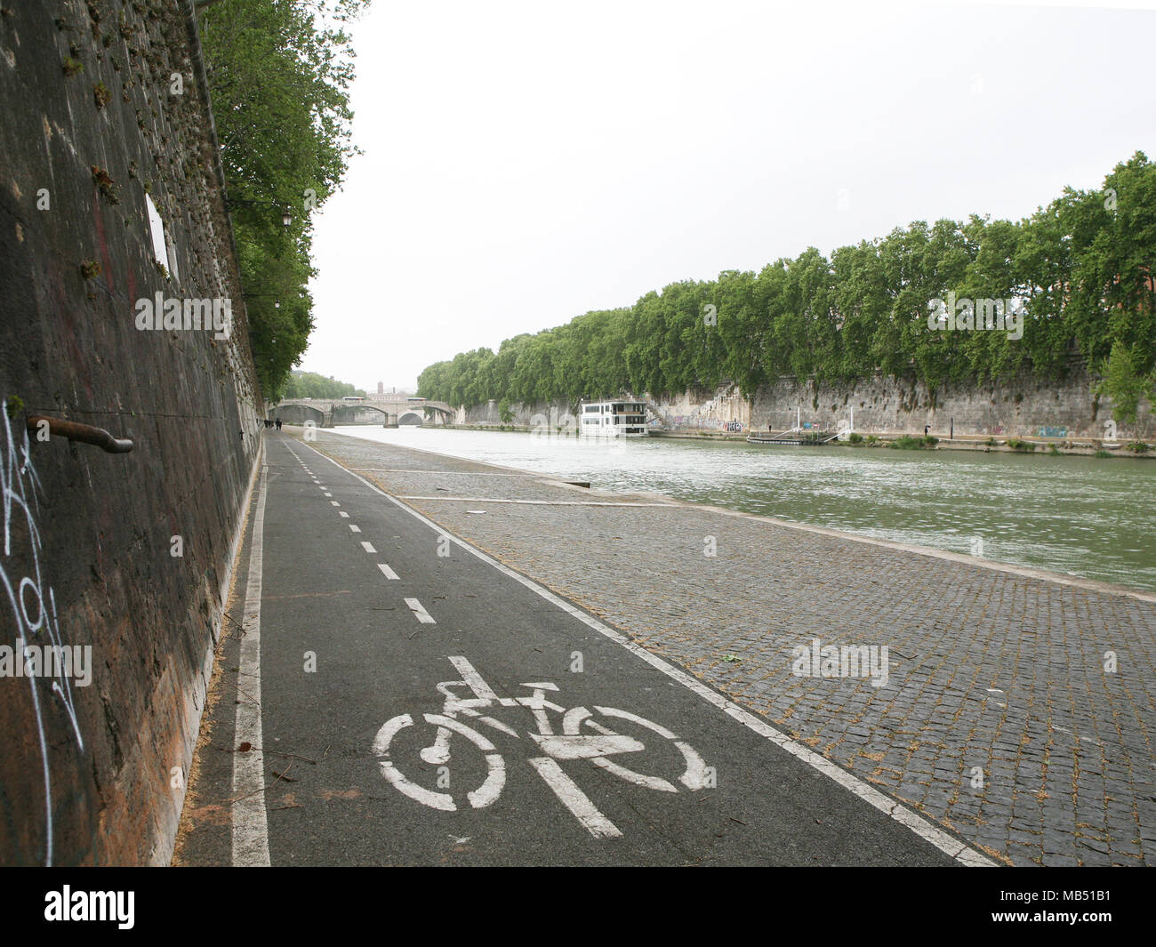The bike lane down the river Tiber, Rome, Italy - Stock Image