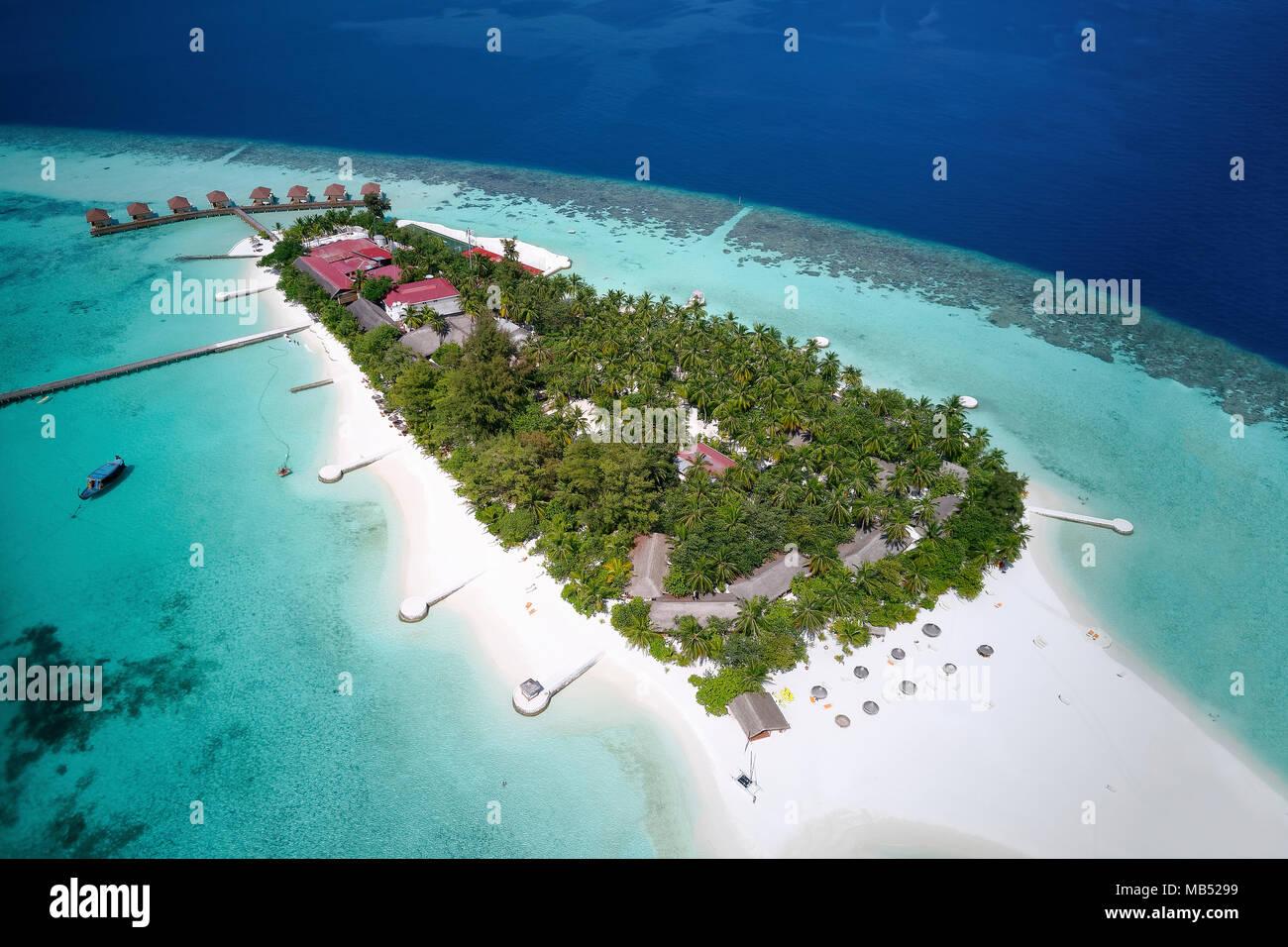 Mayaafushi Island Resort, offshore coral reef, Ari Atoll, Indian Ocean, Maldives - Stock Image