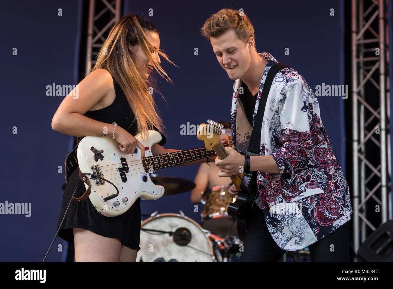 The Swiss band Mama Jefferson with singer Vanja Vukelic, guitarist Silvan Gerhard and drummer Mattia Ferrari, live at the 25th - Stock Image