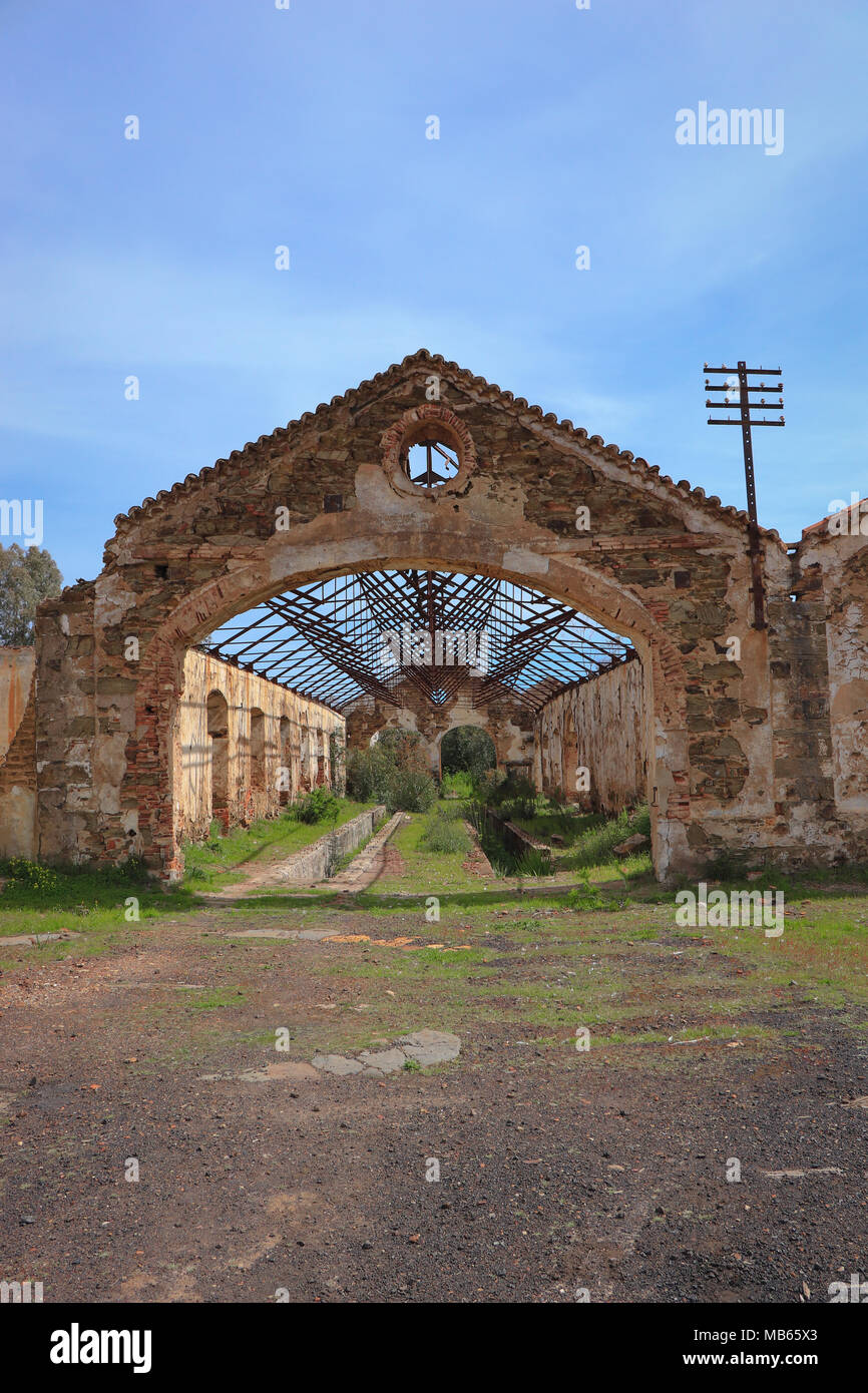 Old industrial building abandoned - Stock Image