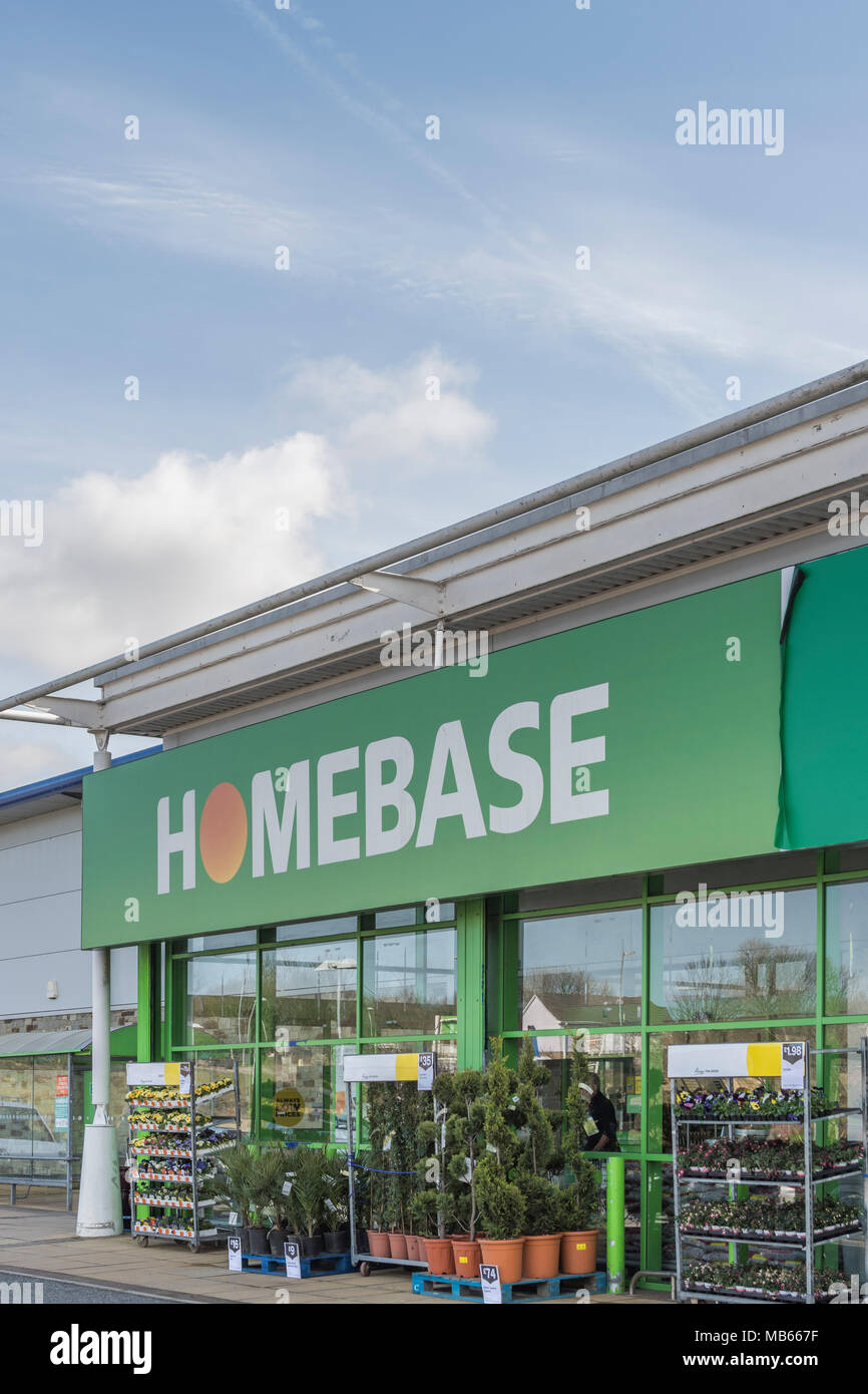 Exterior of Homebase store at Bodmin Retail Prk, Cornwall, UK. Out ,of town shopping and 'Death of the High Street' concepts. Stock Photo