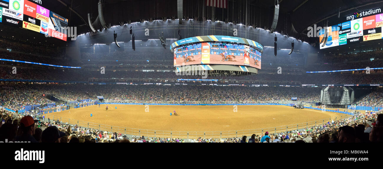 Rodeo Crowd Stock Photos & Rodeo Crowd Stock Images - Alamy