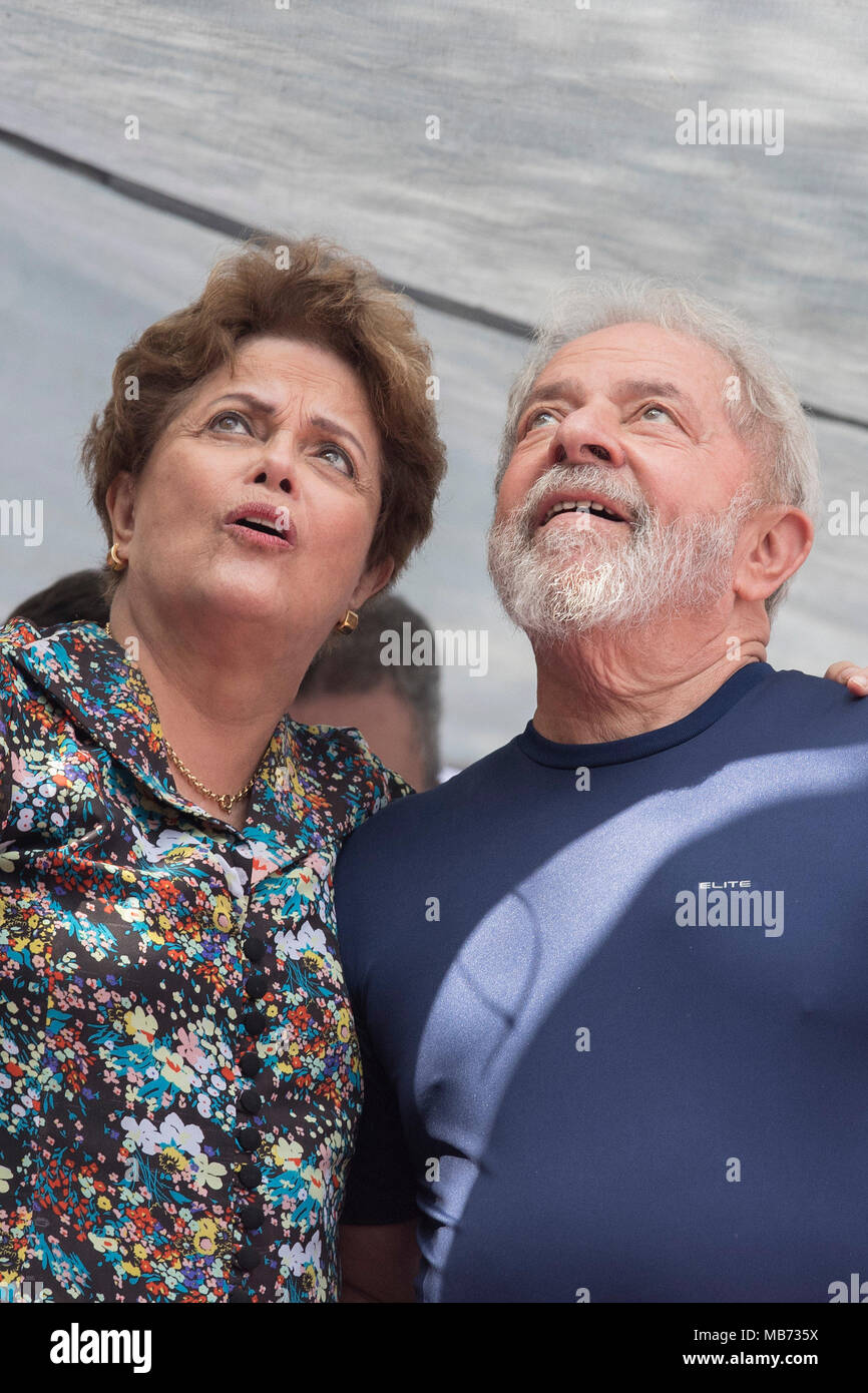 8090dec674c78 Former Brazilian President Dilma Rousseff (L) and former President Luiz  Inacio Lula da Silva (R), react after Lula left the metallurgical union  headquarters ...