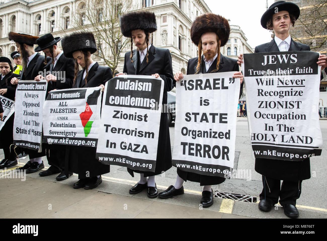 israel palestine karta London, UK. 7th April, 2018. Orthodox Haredi Jews from Neturei  israel palestine karta