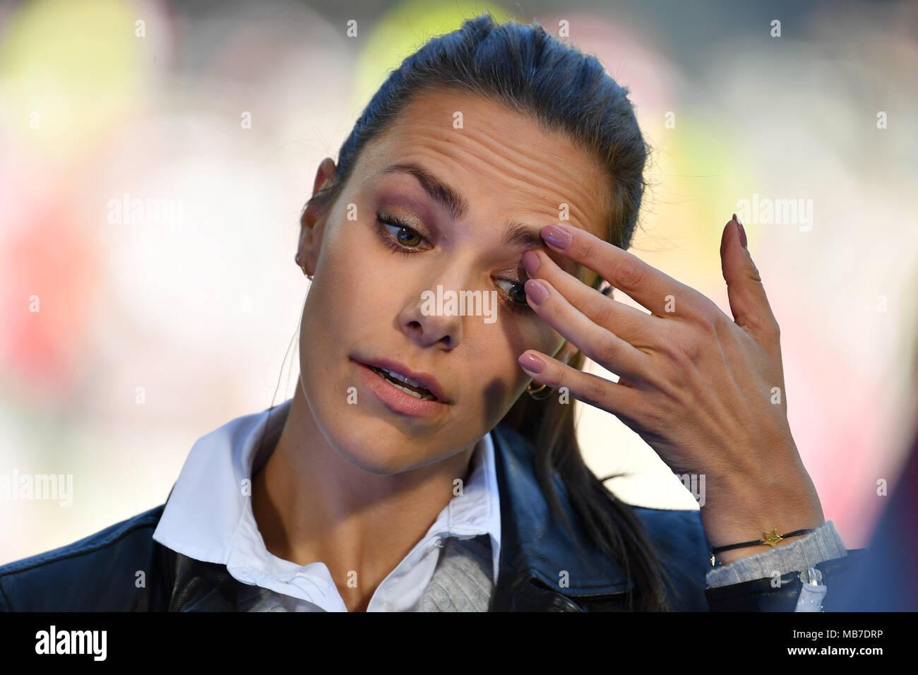 Esther Sedlaczek Sky Moderatorin Einzelbild