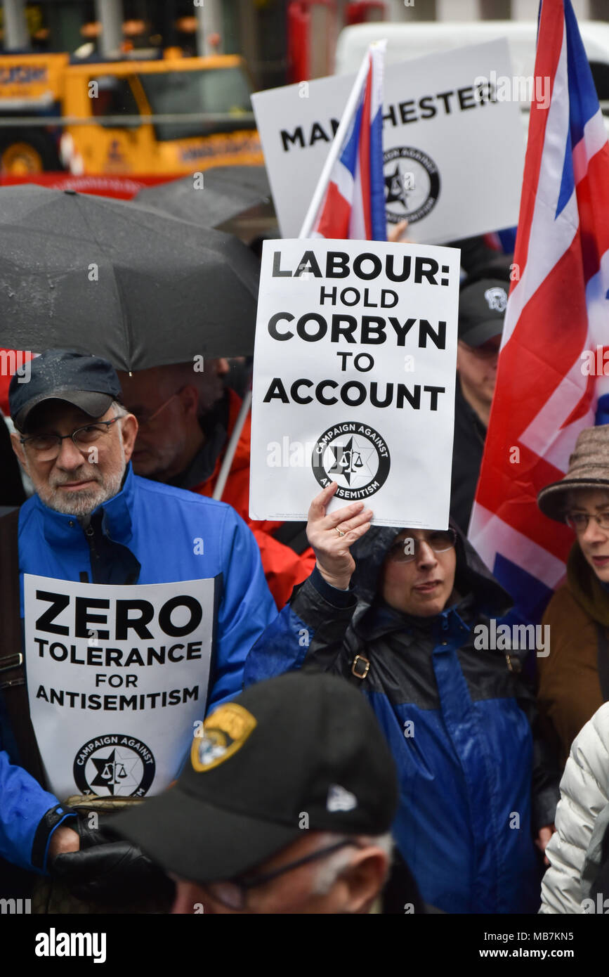 Victoria Street, London, UK. 8th April 2018. Members of the Campaign Against Antisemitism demonstrate at the Labour Party Headquarters in Victoria,  London. Credit: Matthew Chattle/Alamy Live News - Stock Image