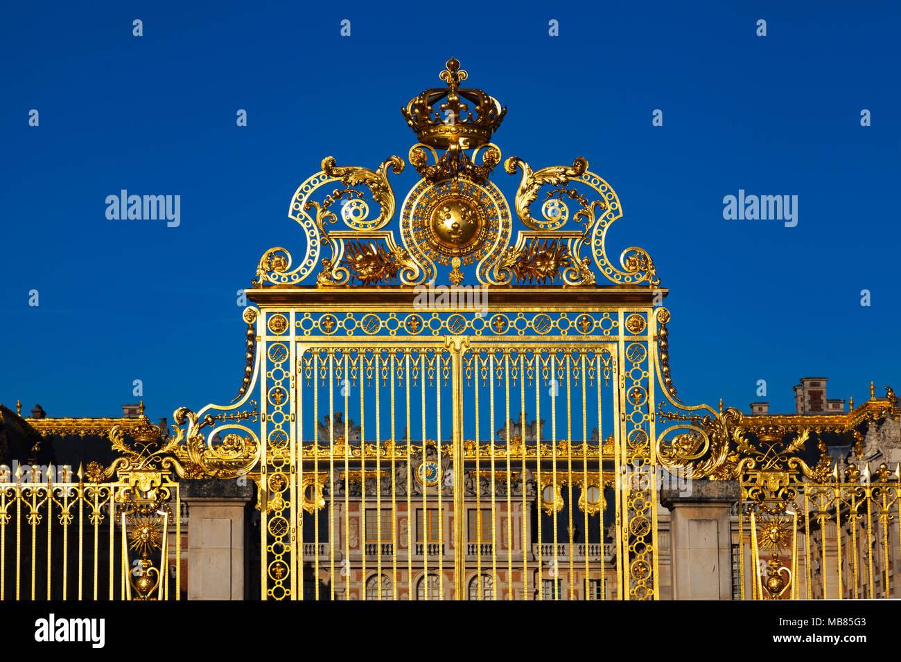 Chateau de Versailles (Palace of Versailles), a UNESCO World Heritage Site, France - The Gate of Honour - Stock Image