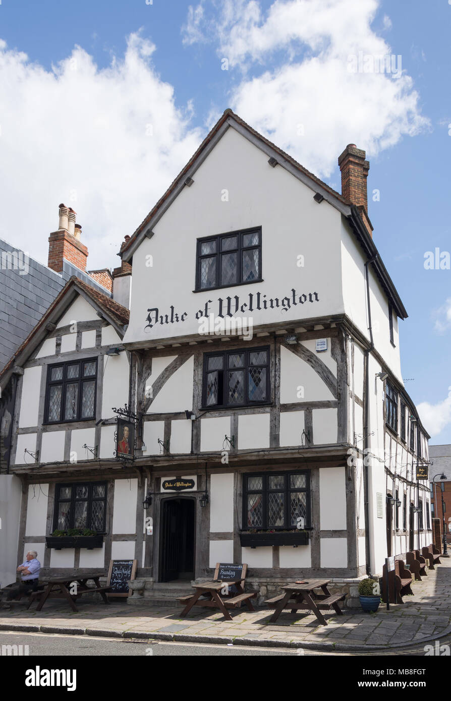 13th century Duke of Wellington Pub, Bugle Street, Old City, Southampton, Hampshire, England, United Kingdom - Stock Image