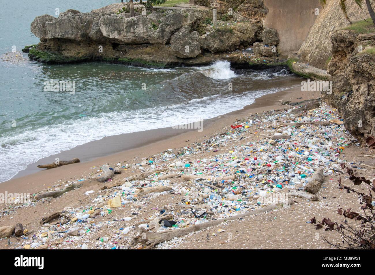 Pollution along the coastline, Santo Domingo, Domnican Republic Stock Photo