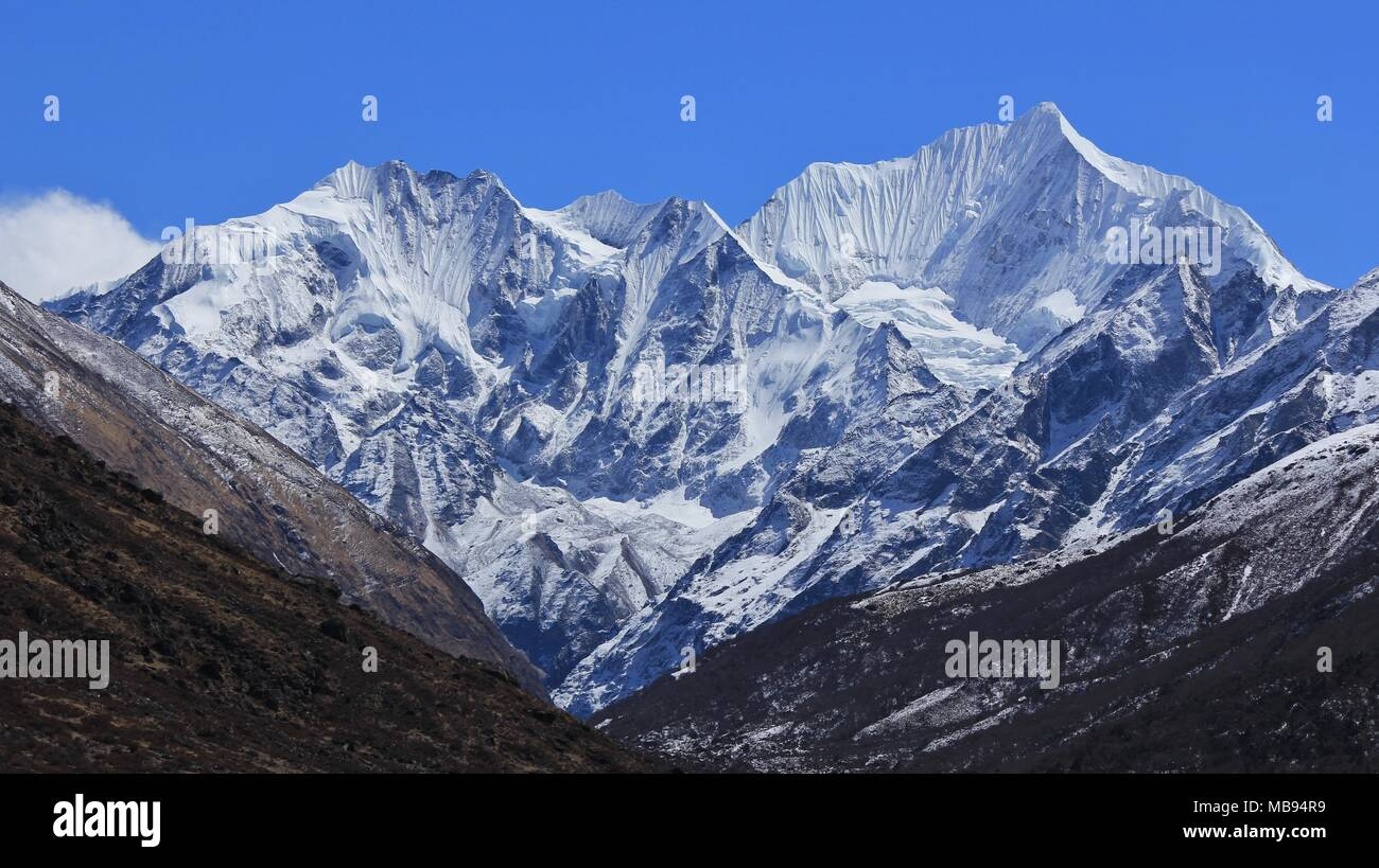 Glacier covering parts of mount Gangchenpo, Langtang Himal, Nepal. - Stock Image