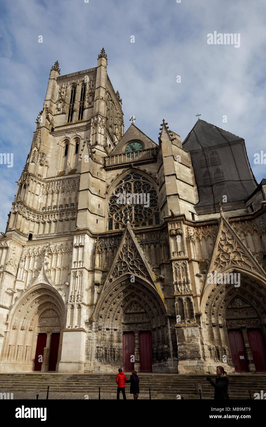 Cathedrale Saint-Etienne, Meaux (Meaux Cathedral), Meaux, Seine-et-Marne, Île-de-France, near Paris, seen from Rue Bossuet - Stock Image