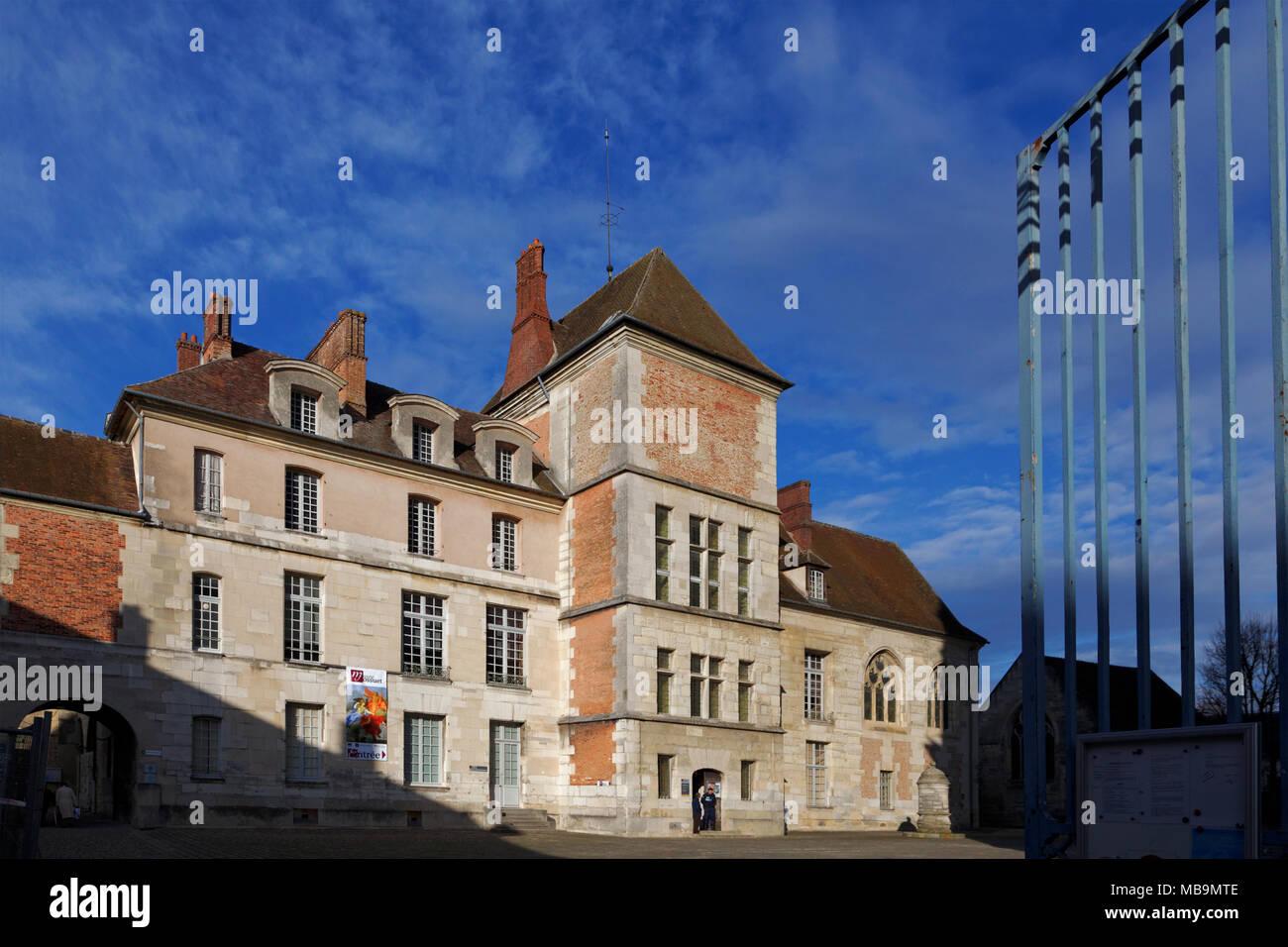 The Episcopal Palace, now The Bossuet Museum, Meaux, Seine-et-Marne, Île-de-France, near Paris, France, attached to Cathedrale Saint-Etienne, Meaux - Stock Image