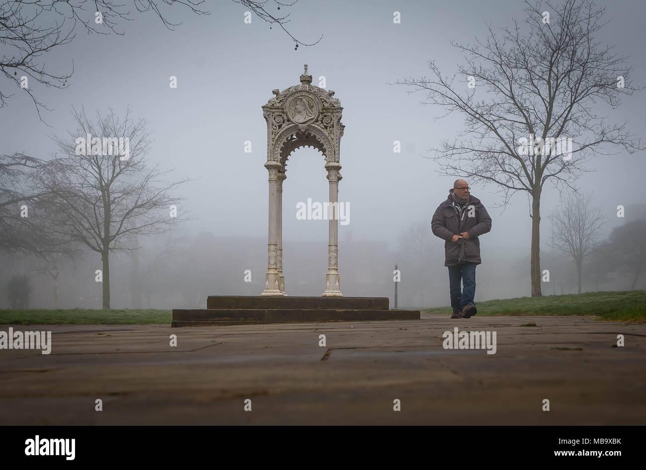 Warrington, Cheshire, UK. 9th April, 2018. Warrington, Cheshire , England, UK awoke to a foggy morning on 9th April 2018 Credit: John Hopkins/Alamy Live News Stock Photo