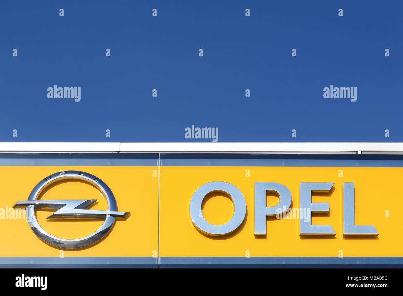 7c698b169d7 Opel Russelsheim Stock Photos & Opel Russelsheim Stock Images - Alamy