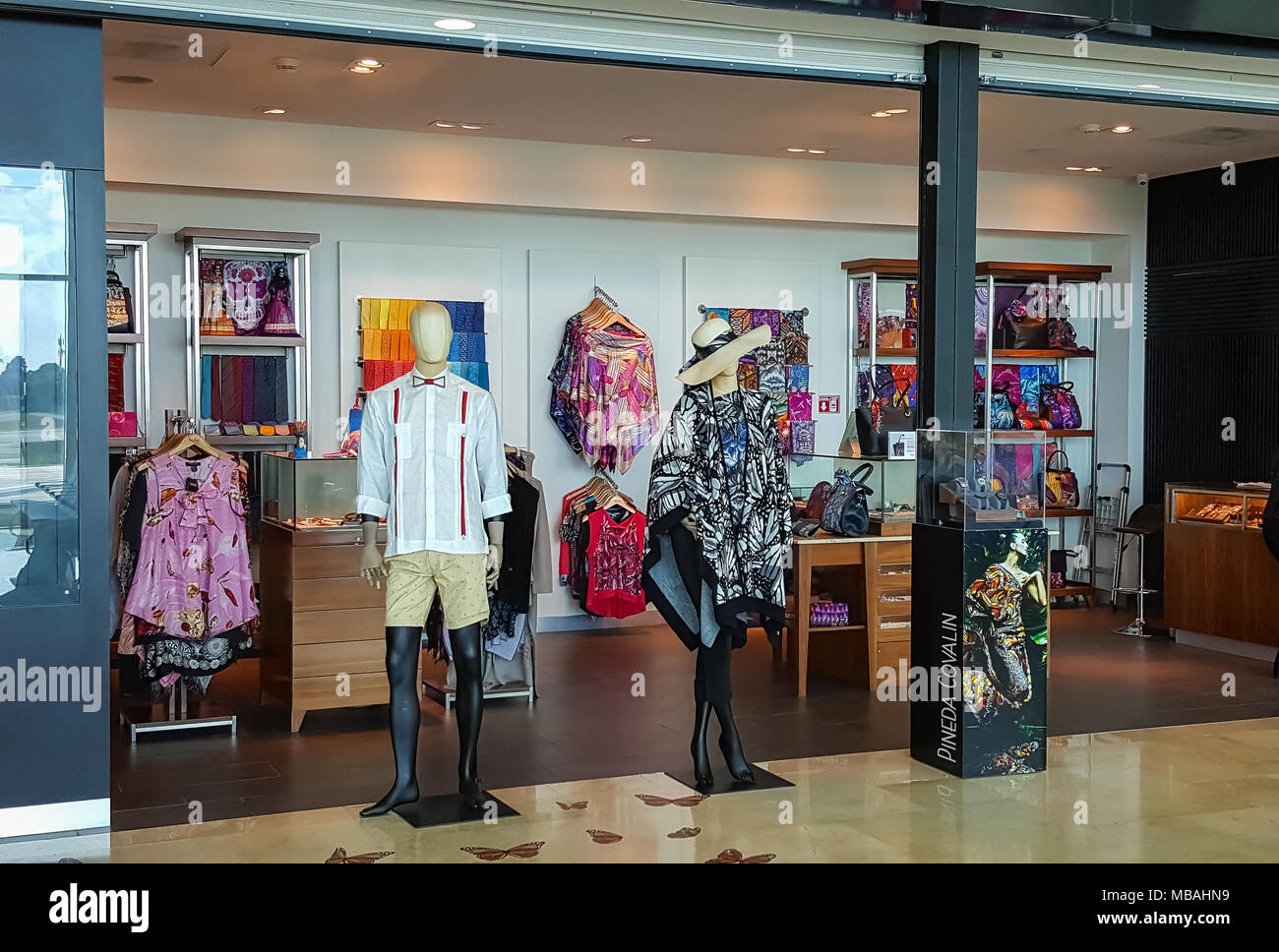 Mexican Clothes Shop High Resolution Stock Photography And Images Alamy