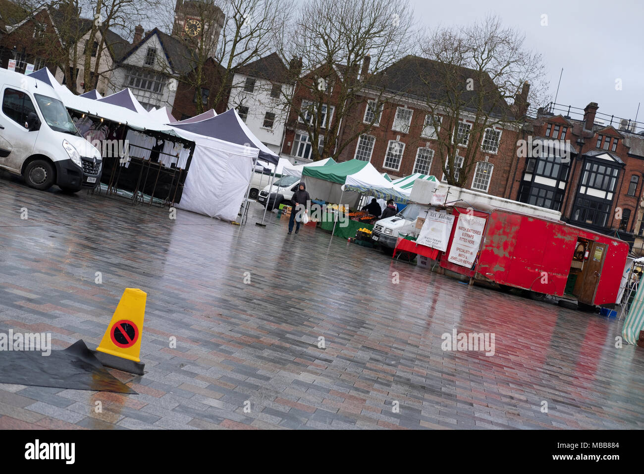 Salisbury Wiltshire Uk 10th April 2018 Uk Weather Grey Damp Start To The Day With Very Few Shoppers In The Market Despite The Government And Local