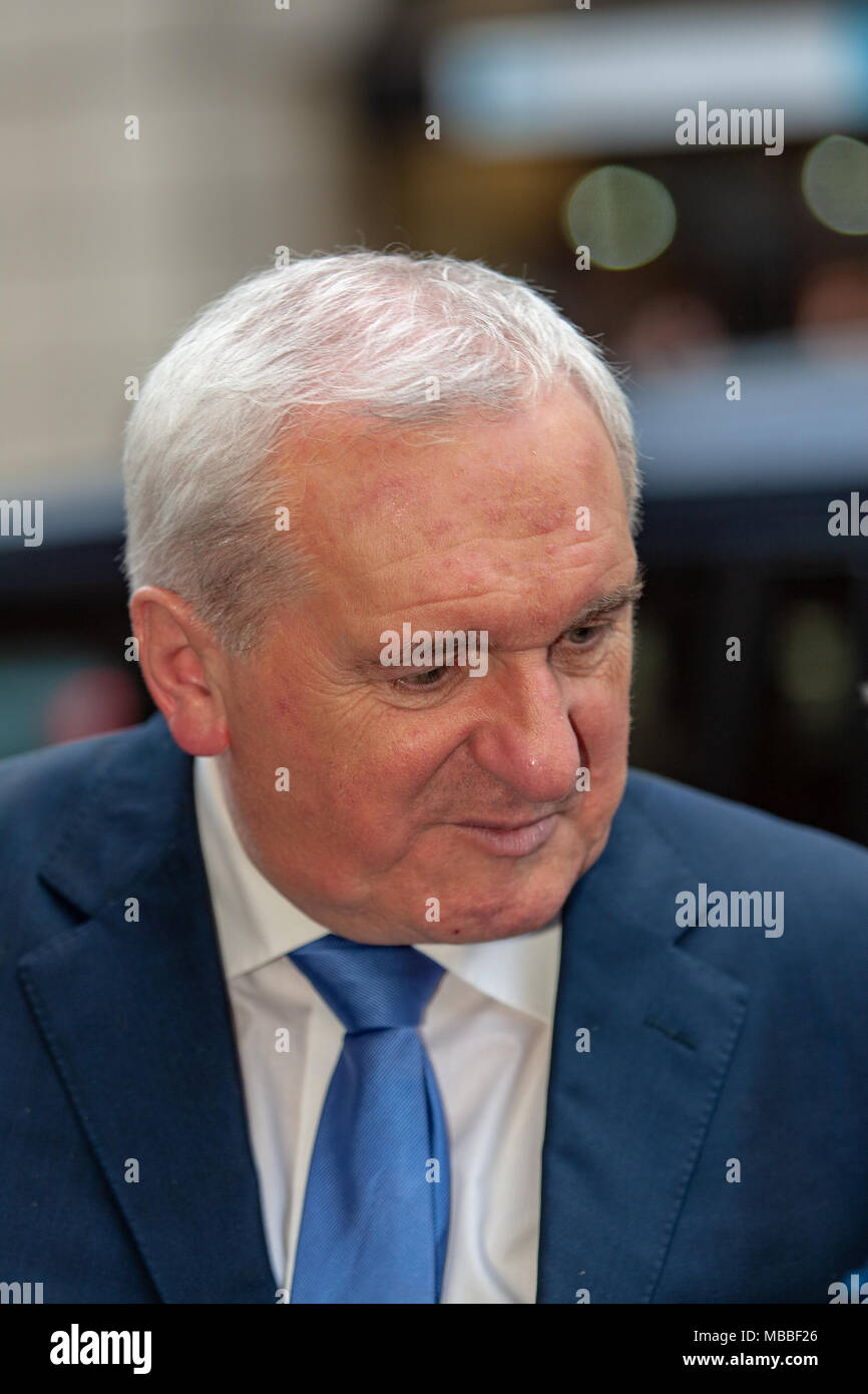 Ulster Hall,Belfast, Northern Ireland.10th April 2018.  Former US President Bill Clinton and Senator George J Mitchell Attended a special ceremony at the Ulster Hall today to receive the Freedom of the City of Belfast.   Credit: Bonzo/Alamy Live News - Stock Image