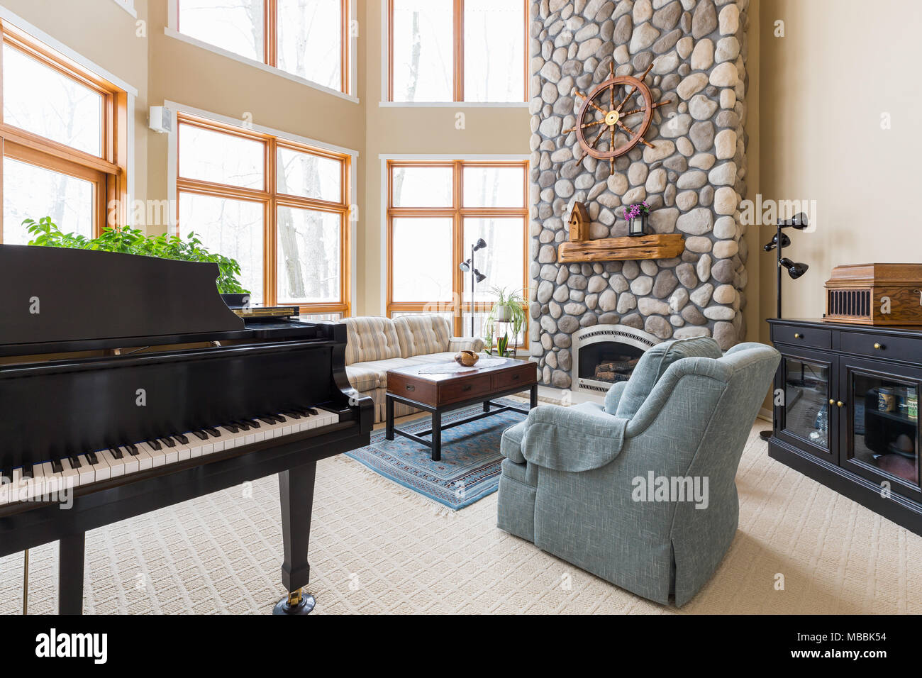 Floor To Ceiling Fireplace Stock Photos Floor To Ceiling