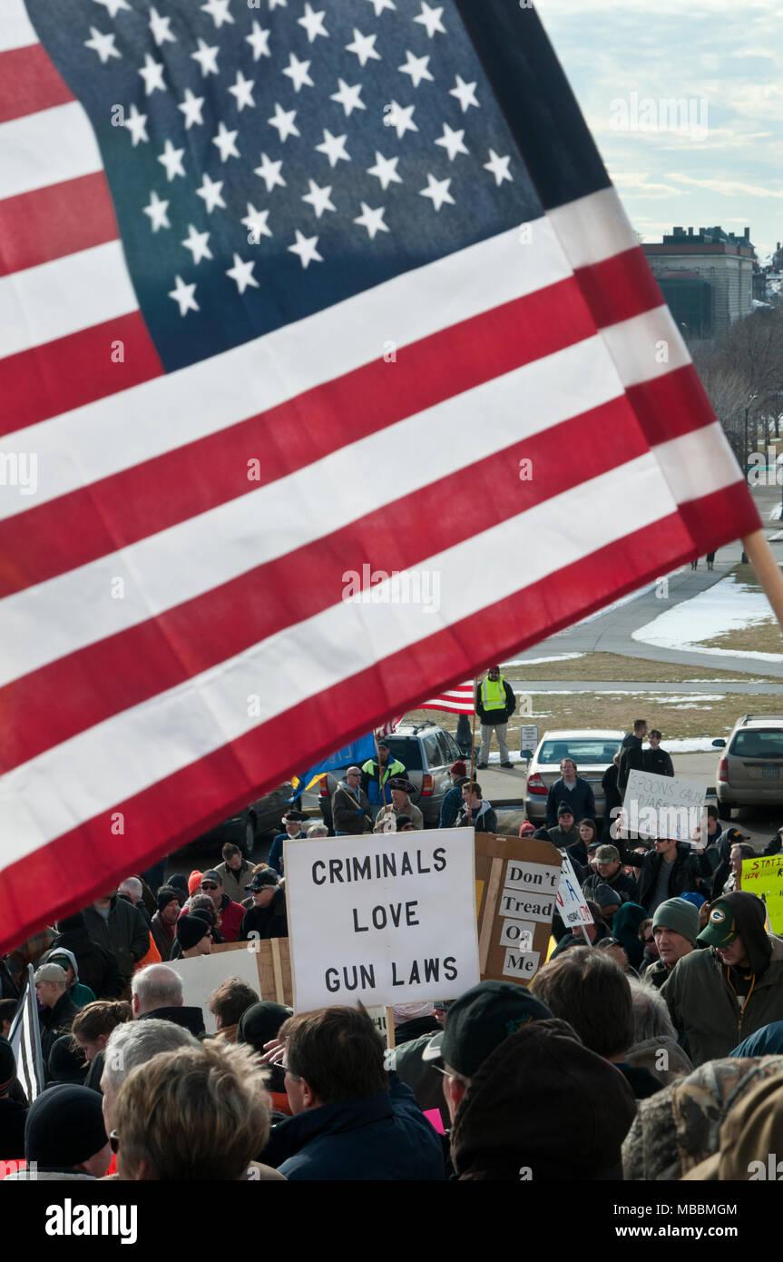 St. Paul, Minnesota. State capitol.  Gun limits protest. - Stock Image