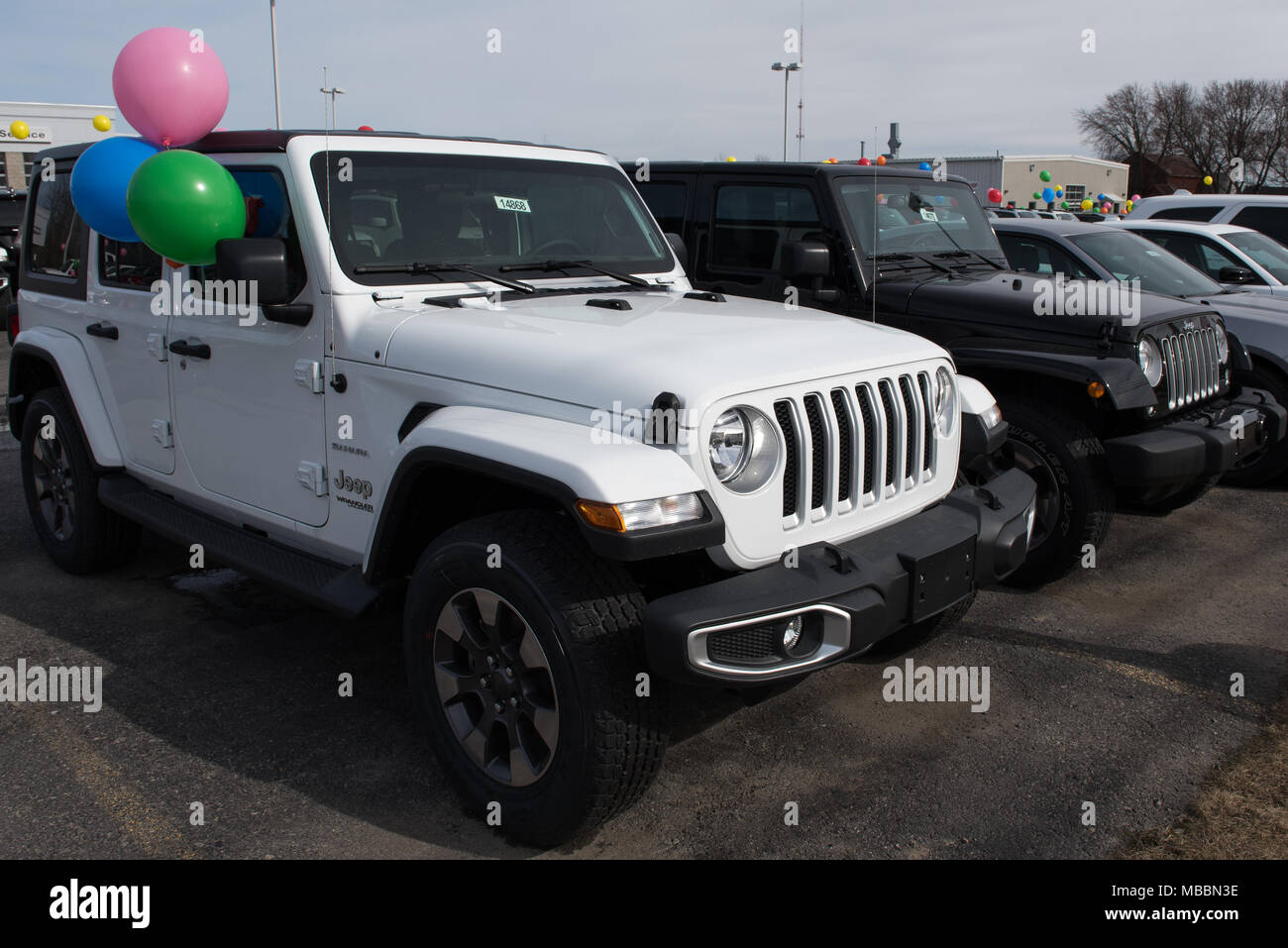 go angeles off wrangler arrives a car in the folds rubicon drier new events goes official news windscreen pictures jeep because down generally shows than for reborn sale suv first is uk motor america on experience los anywhere roading