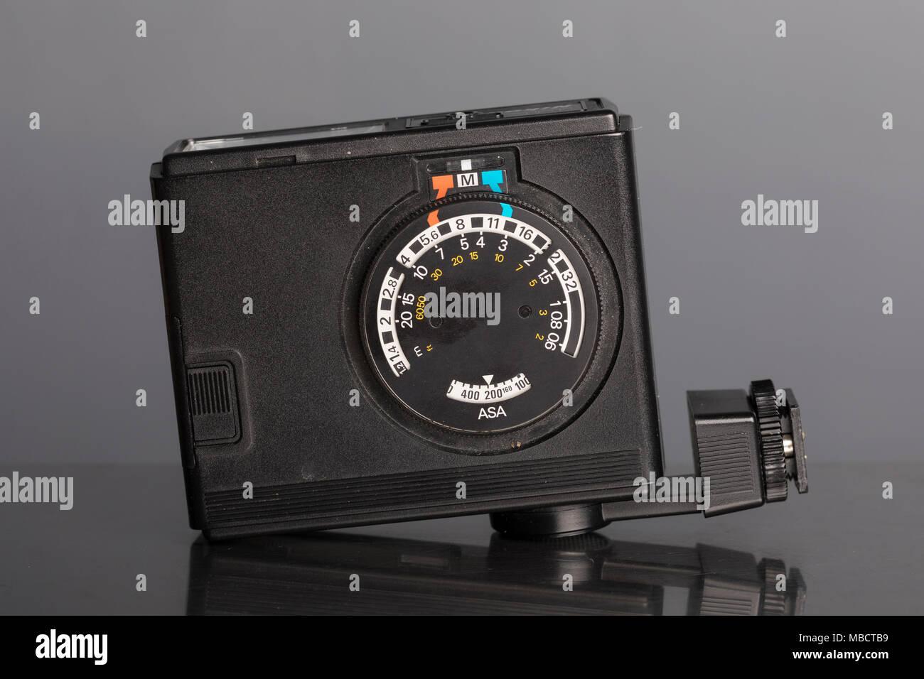 Nikon Speedlight SB-10 flashgun - Stock Image