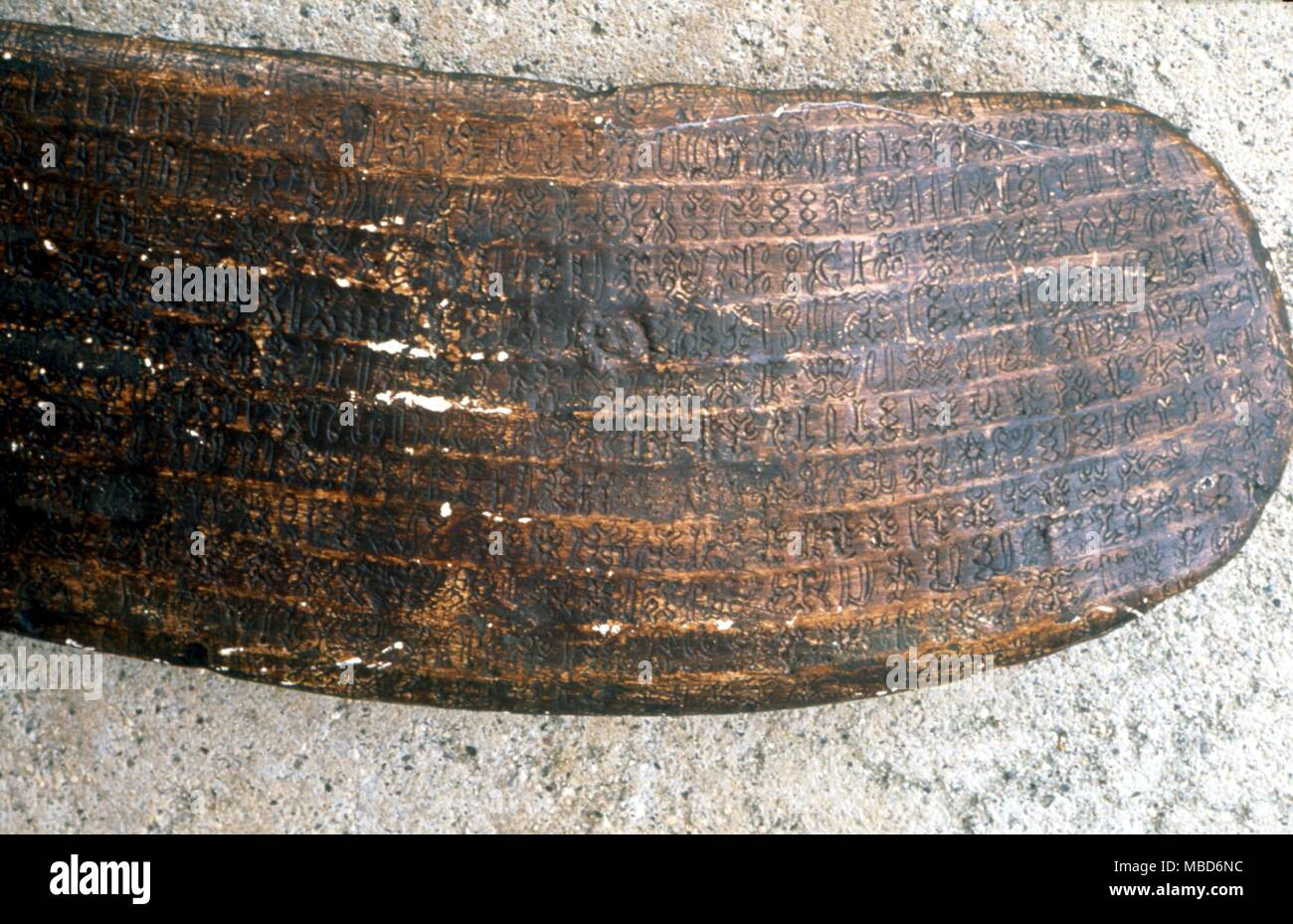 ALPHABETS - Example of the Easter Island ideographic script on the wooden tablets called Kohau Rongo Rongo ( news boards ).  The script was supposed to have been brought to the island by ship, circa 1100 AD, but was introduced a thousand years earlier. - Stock Image