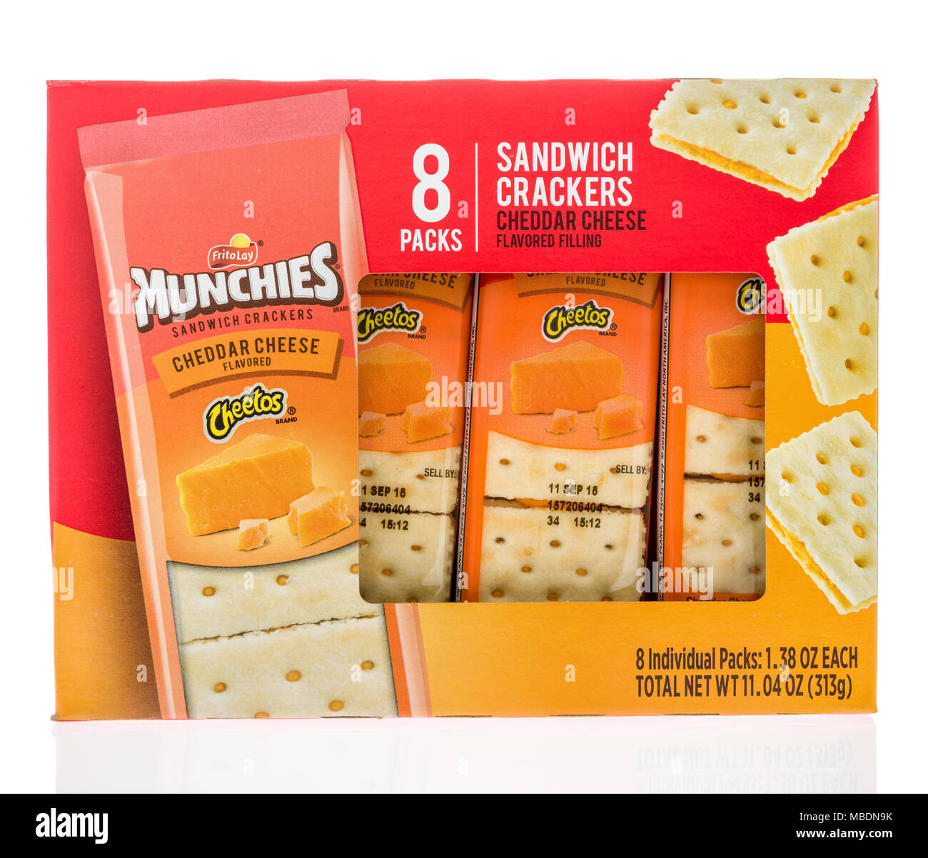 https://c8.alamy.com/comp/MBDN9K/winneconne-wi-7-april-2018-a-box-of-munchies-sandwich-crackers-in-cheetos-cheddar-cheese-flavor-on-an-isolated-background-MBDN9K.jpg