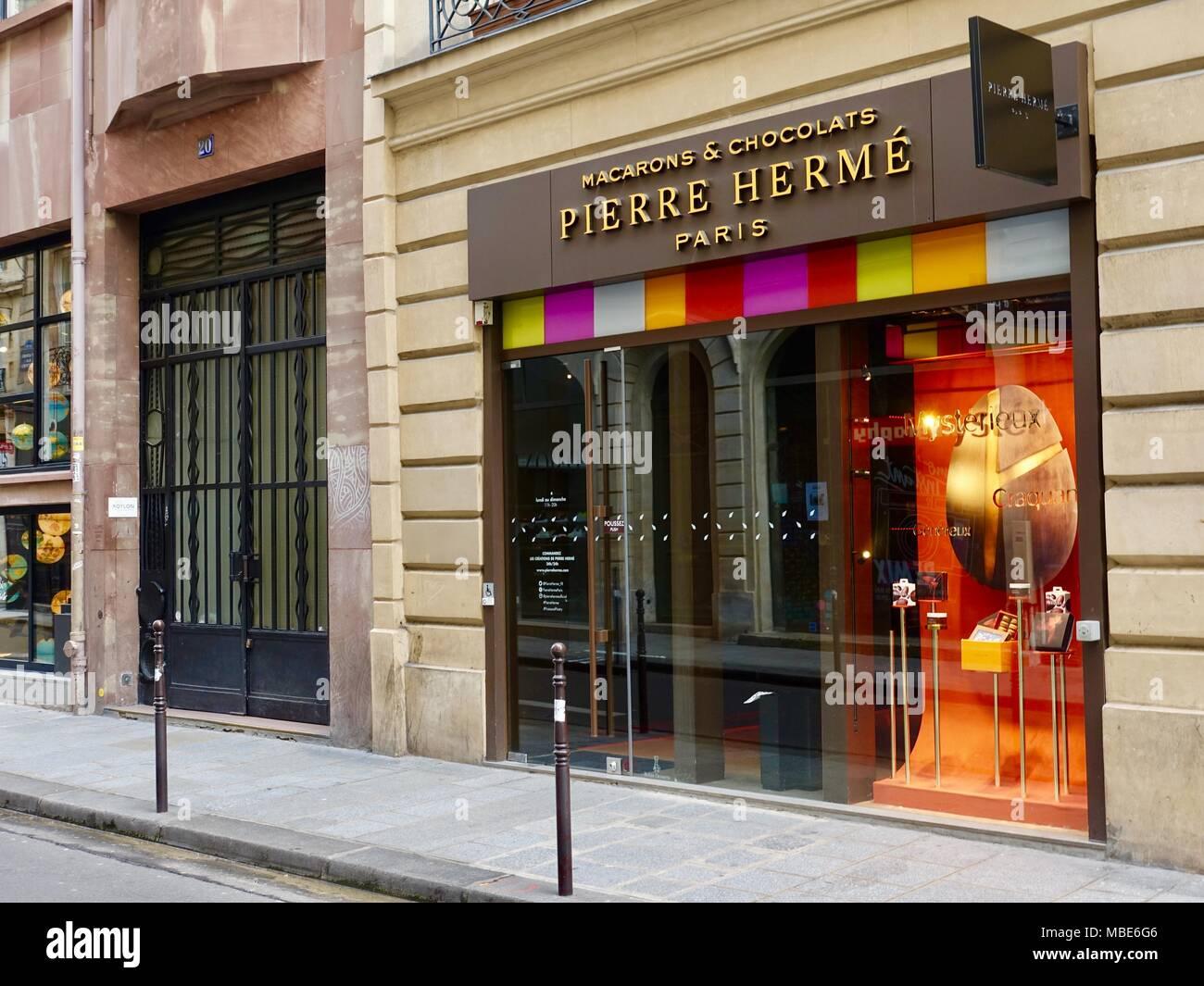 Herme stock photos herme stock images alamy - 39 rue sainte croix de la bretonnerie ...